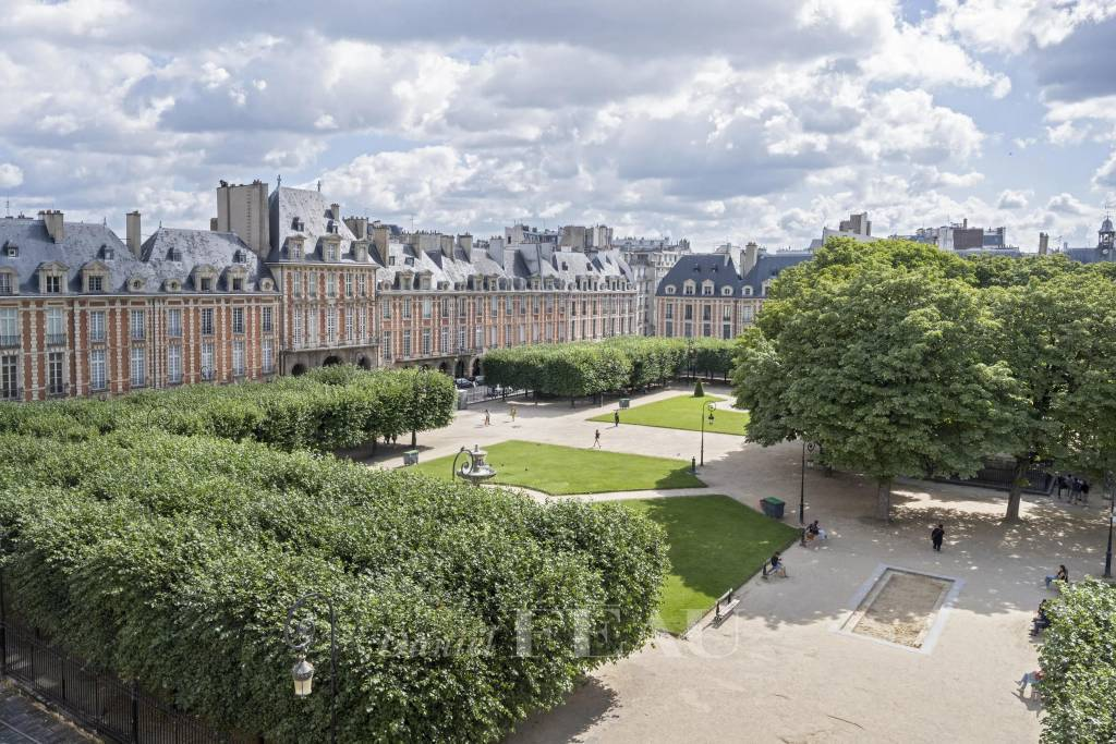 Paris 4th District – An exceptional pied a terre in a prime location