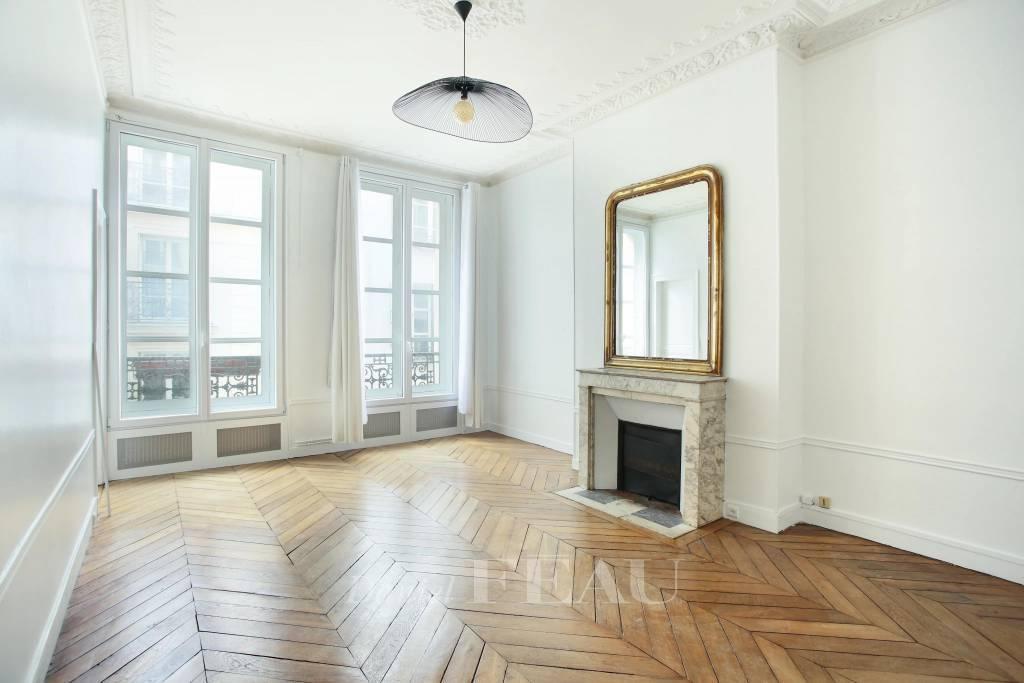 Paris VIe - rue Guénégaud, à proximité du Musée de la Monnaie