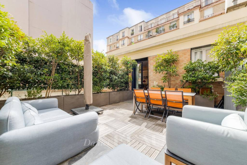 Boulogne Centre – A 2-bed Town House with a terrace