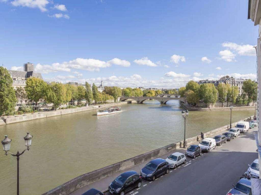 Paris IVe - Ile de la Cité - Quai aux Fleurs.