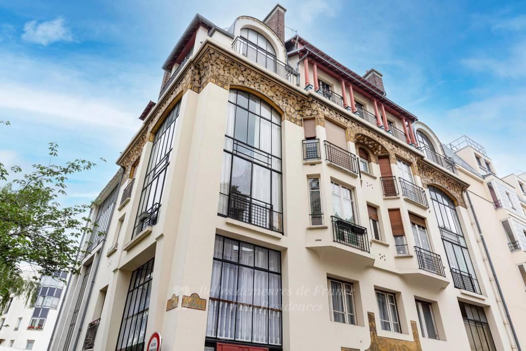 Paris 14th District – A 2-bed artist's workshop with a studio apartment