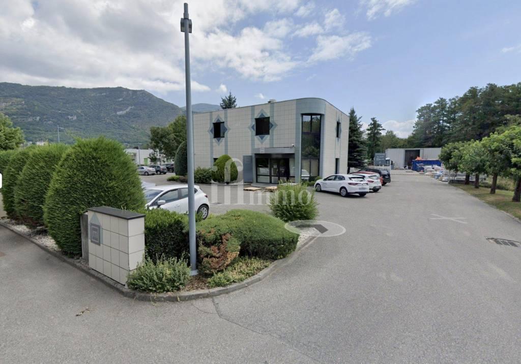 Locaux bureaux et entrepôt en location proche Chambéry