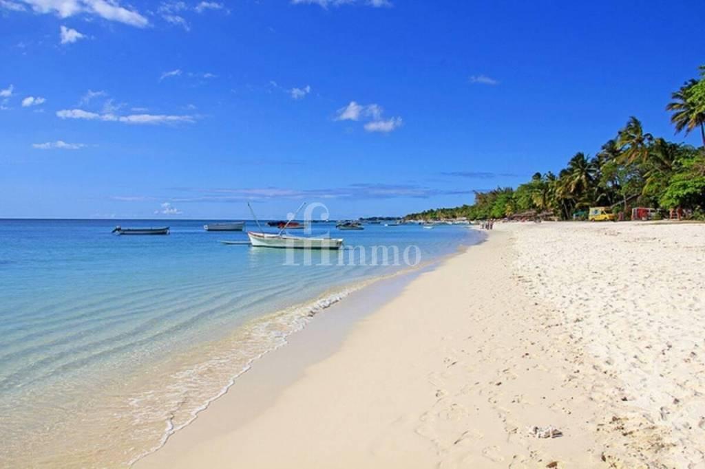 Villa  piscine  à 100 m de la mer -Grand Baie-Ile Maurice