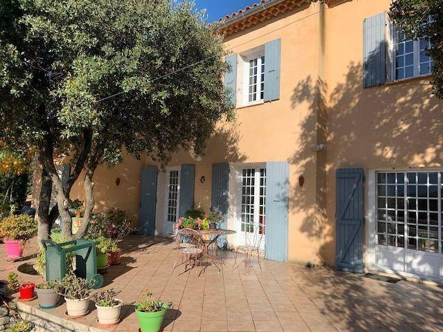 Near Gordes - Villa with view with  large beautiful natural garden