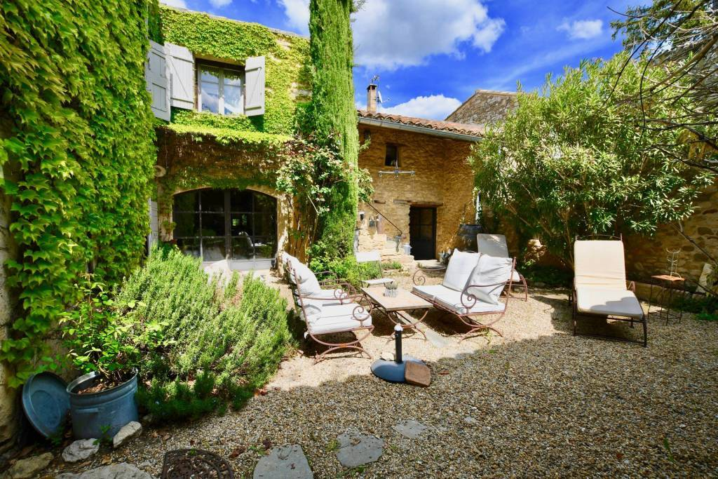 CHARMING RENOVATED MAS IN THE HEART OF THE VILLAGE-MAUBEC