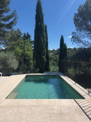 BETWEEN GORDES AND GOULT CHARM,VIEW AND TRANQUILITY