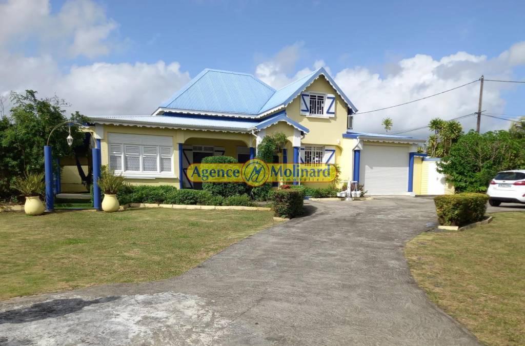 Sale House Baie-Mahault