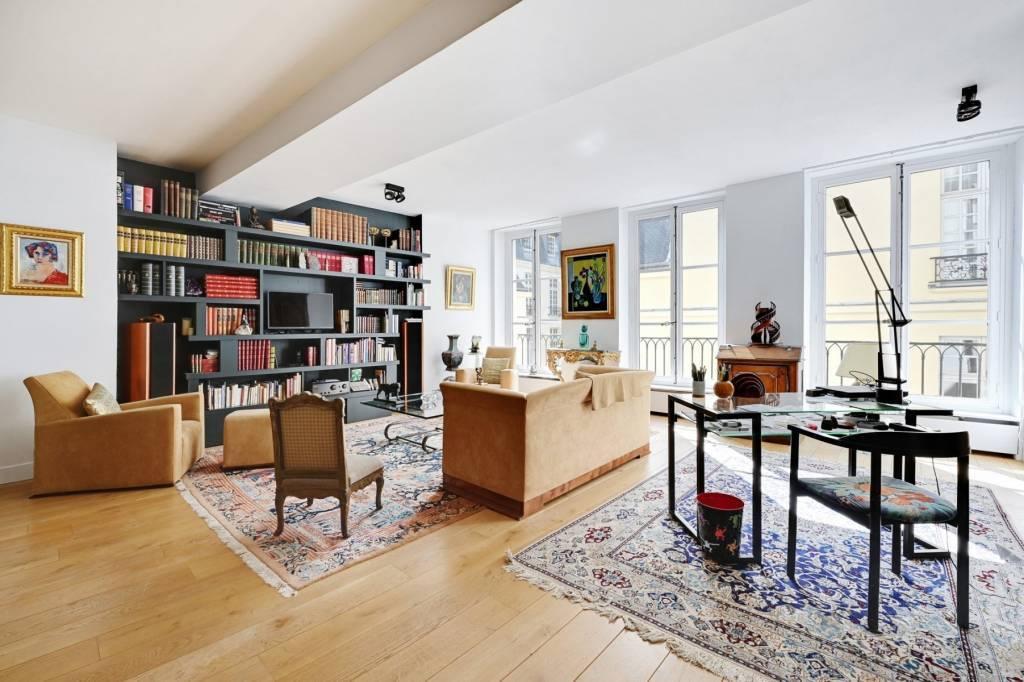 Rue de Braque, Superbe appartement de réception calme et ensoleillé.