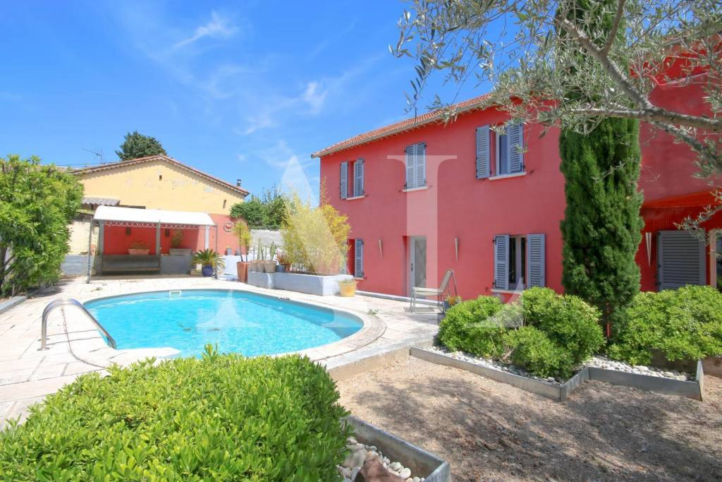 CHARMING VILLA OF 190SQM WITH SWIMMING POOL