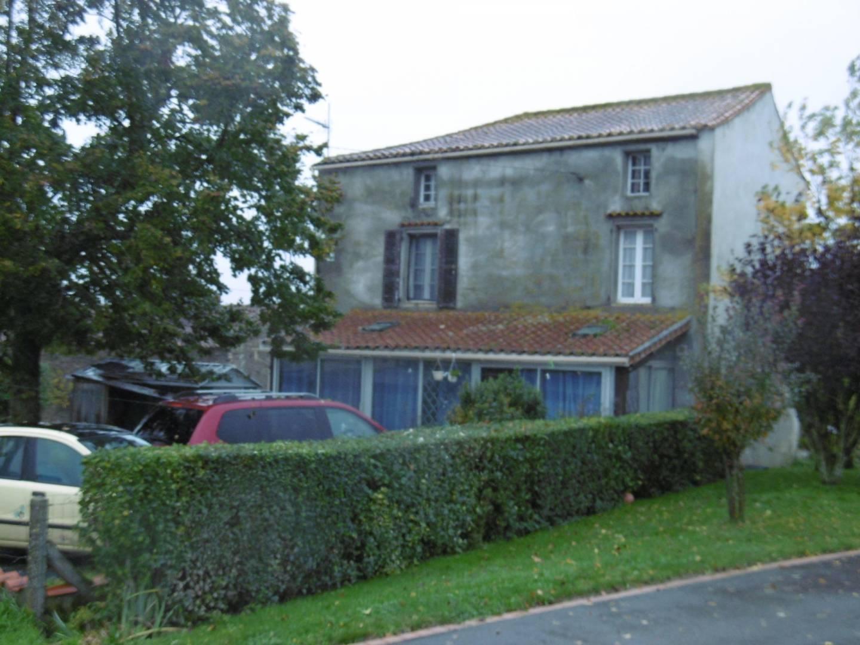 1 18 Saint-Maurice-des-Noues