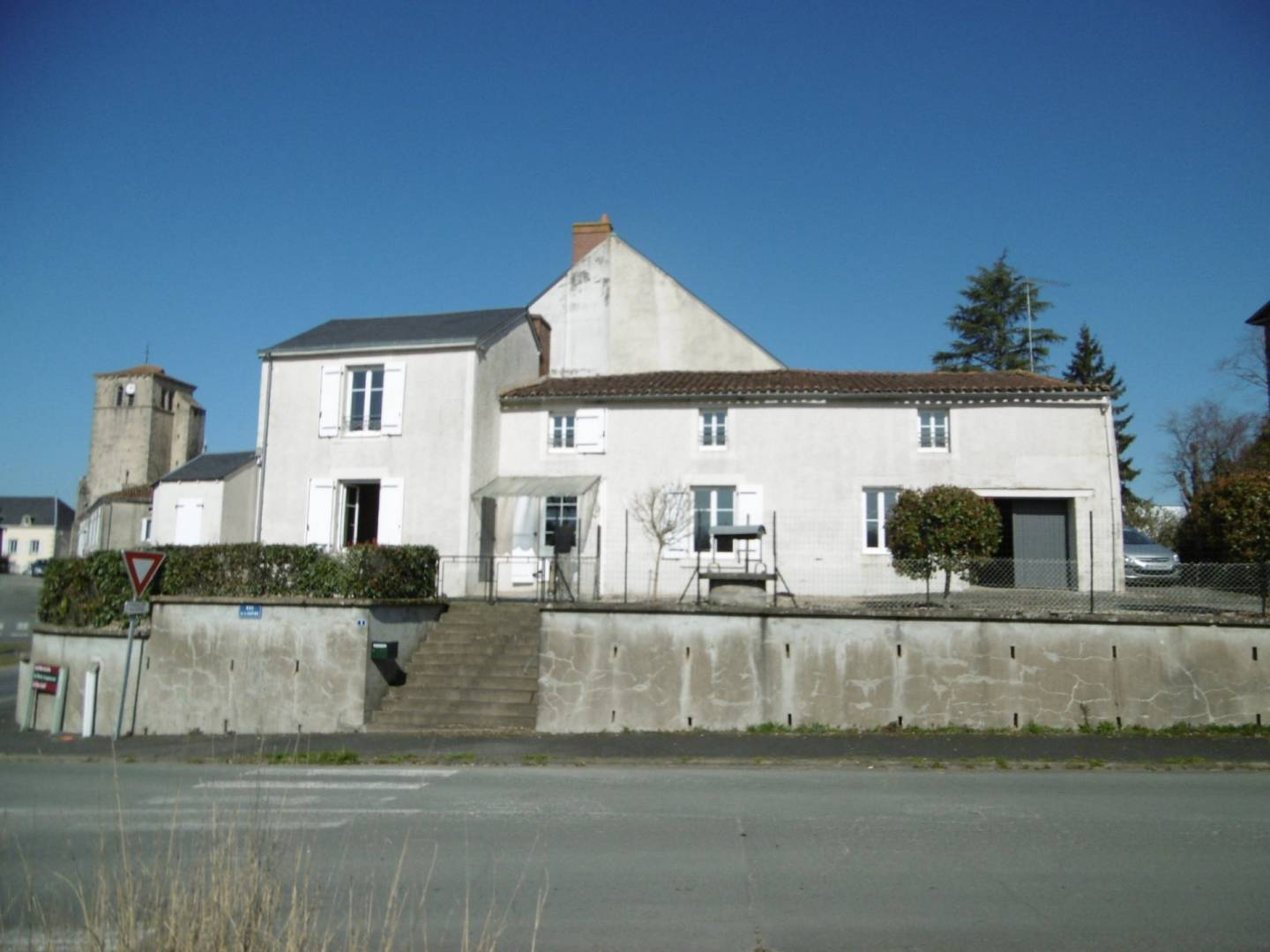 Sale Village house Largeasse