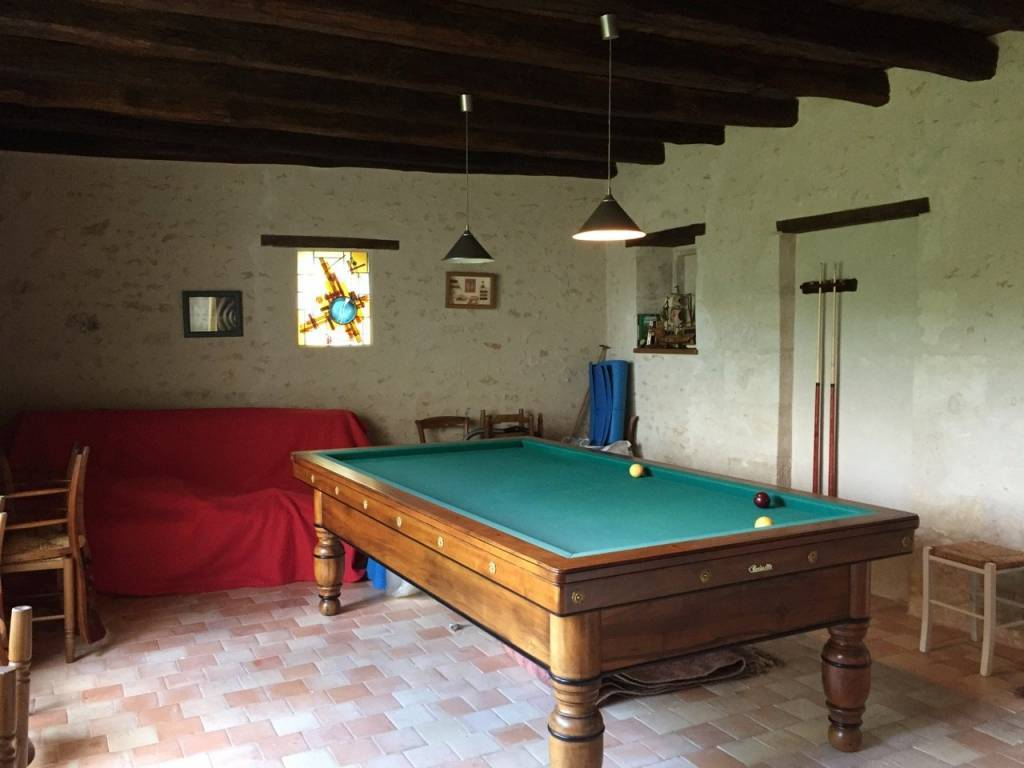Beautiful country house with pool, near Champdeniers