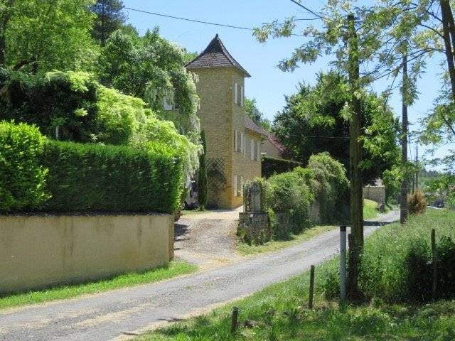 Pretty stone house in hamlet between Sarlat and Le Buisson in Black Perigord