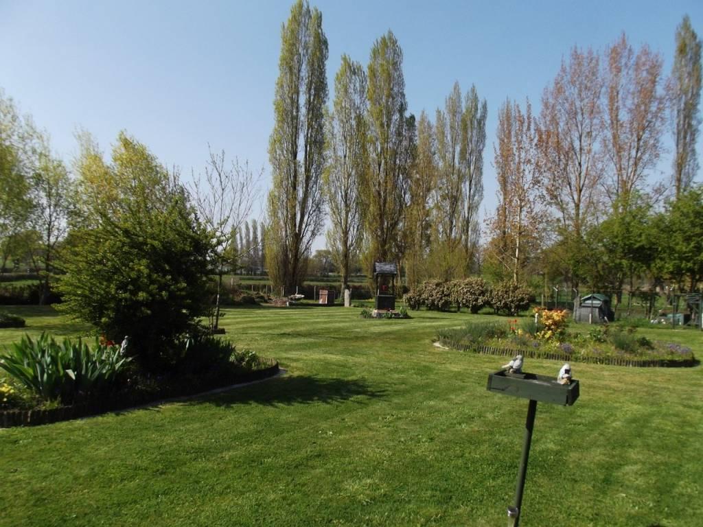PRIX REDUIT! Belle maison du village avec jardin fleuri magnifique