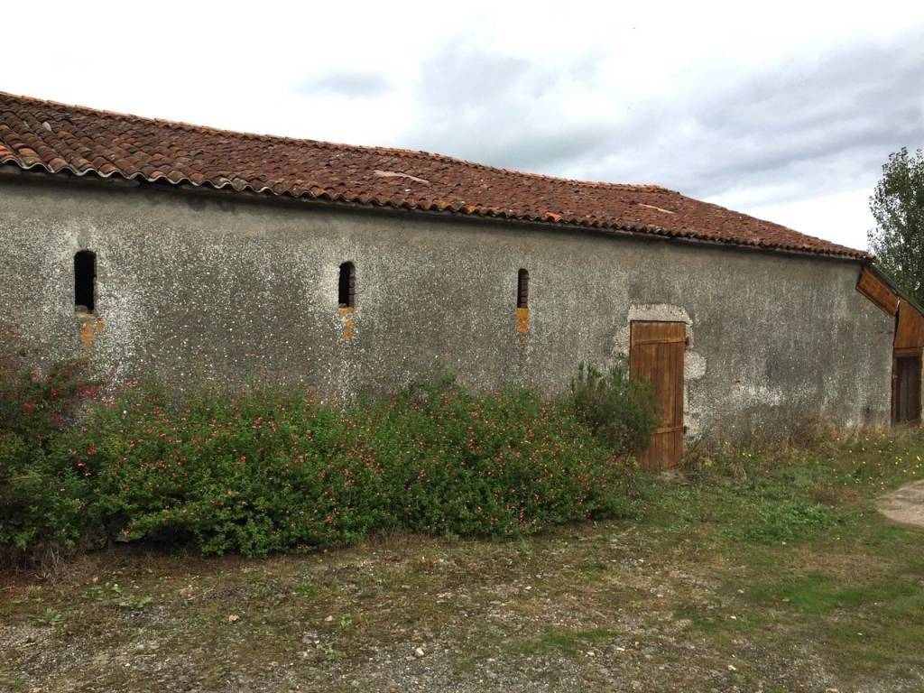 Medieval farm with gite, barn and 15 hectares