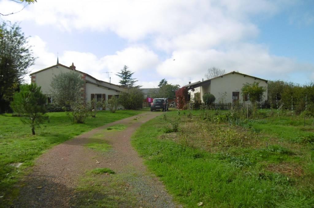 Maison et Gite sorti du Bourg