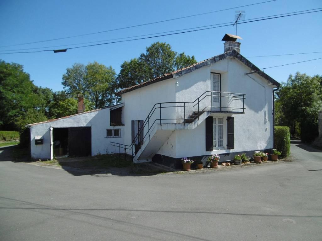Attractive detached Village House