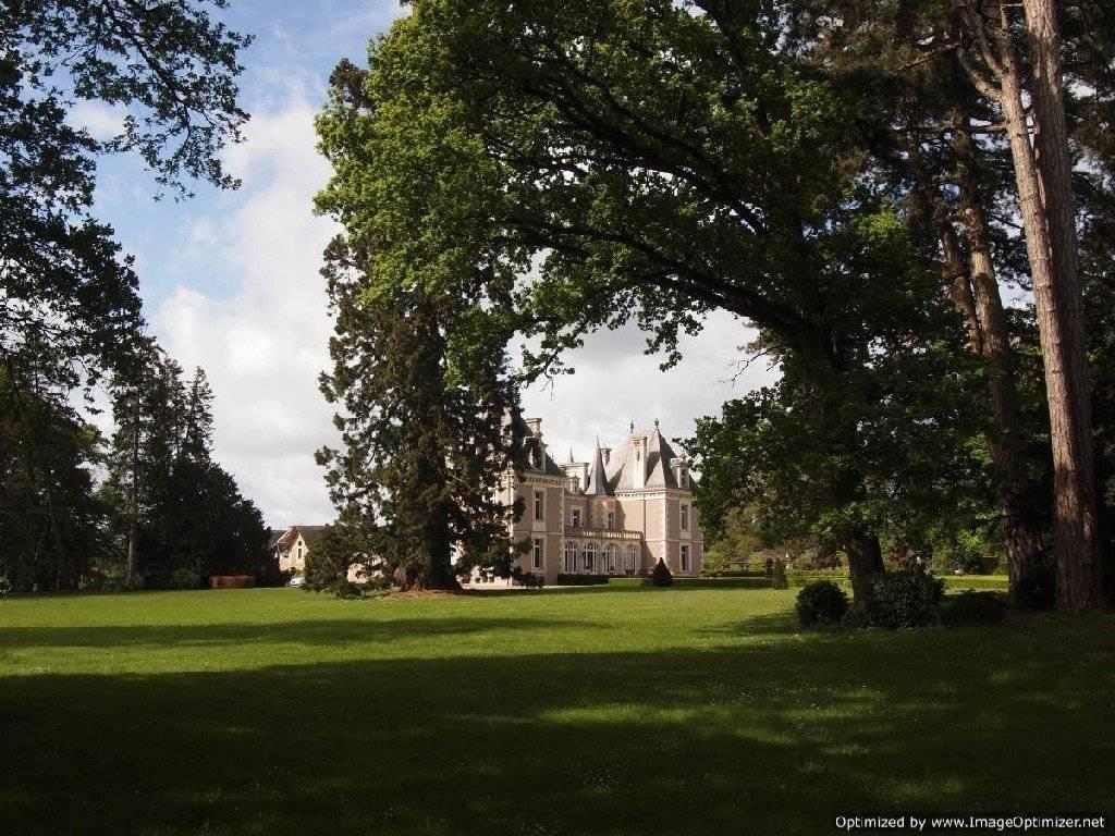 Superbe château dans park privée de 20 hectares 79