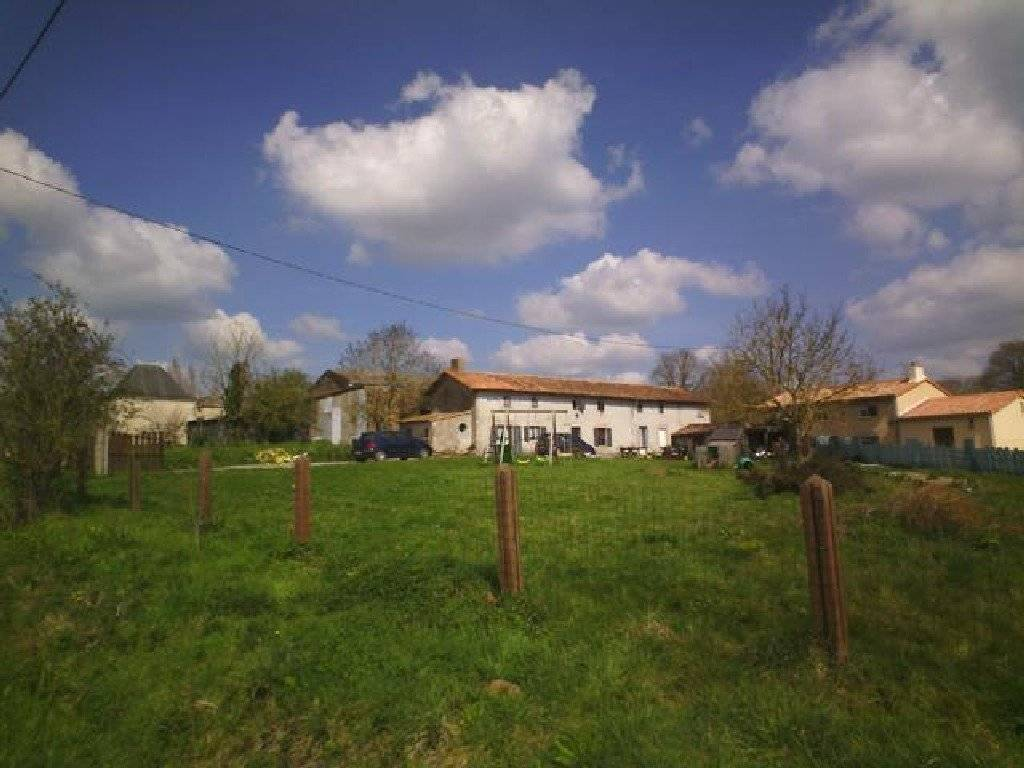 REDUCED PRICE : Large stone farm house, Longere, with open plan renovation ...