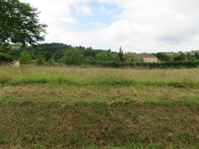Land with CU for sale on the edge of the village of Siorac-en-Périgord