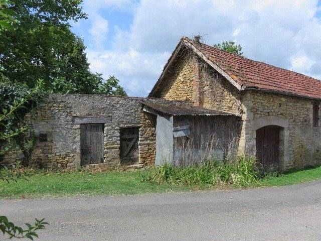Superbly situated land with old stone buildings for complete restoration