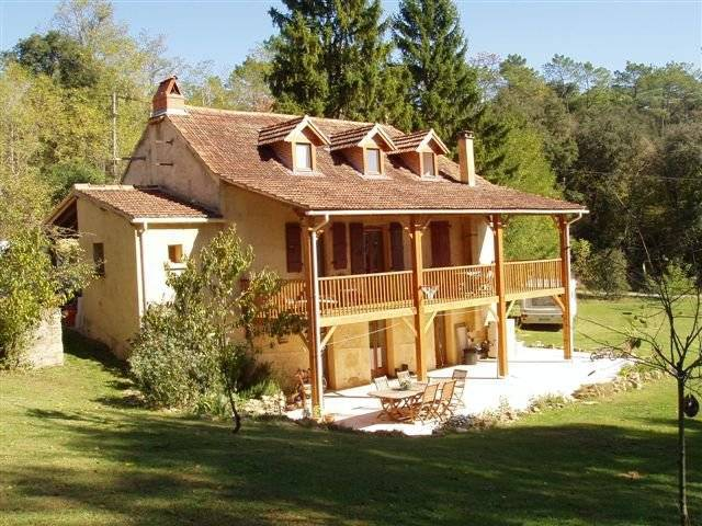 Fermette comprenant spacieuse maison en pierre restaurée ...