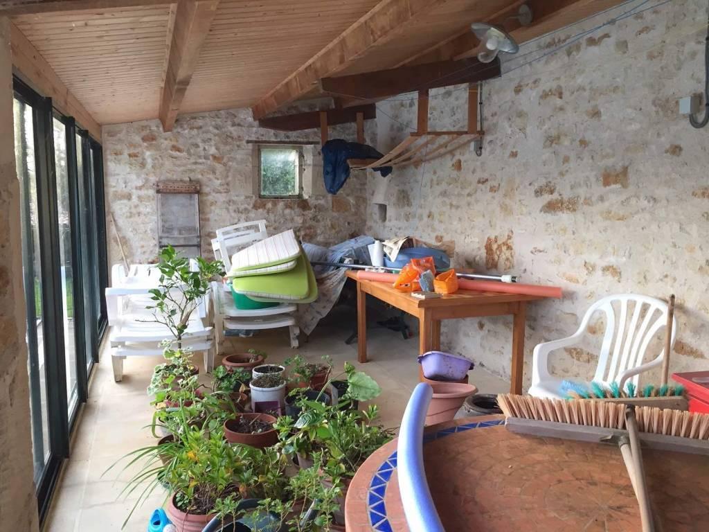 Belle maison de campagne avec piscine, proche Champdeniers