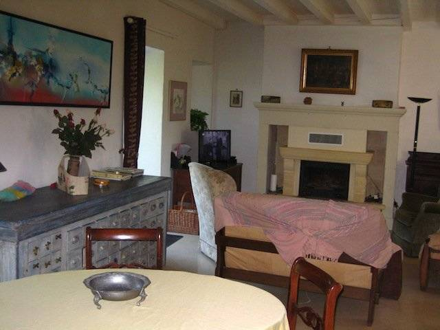 Charming stone house, pigeonnier, pool, land 1.5 ha near Dordogne river