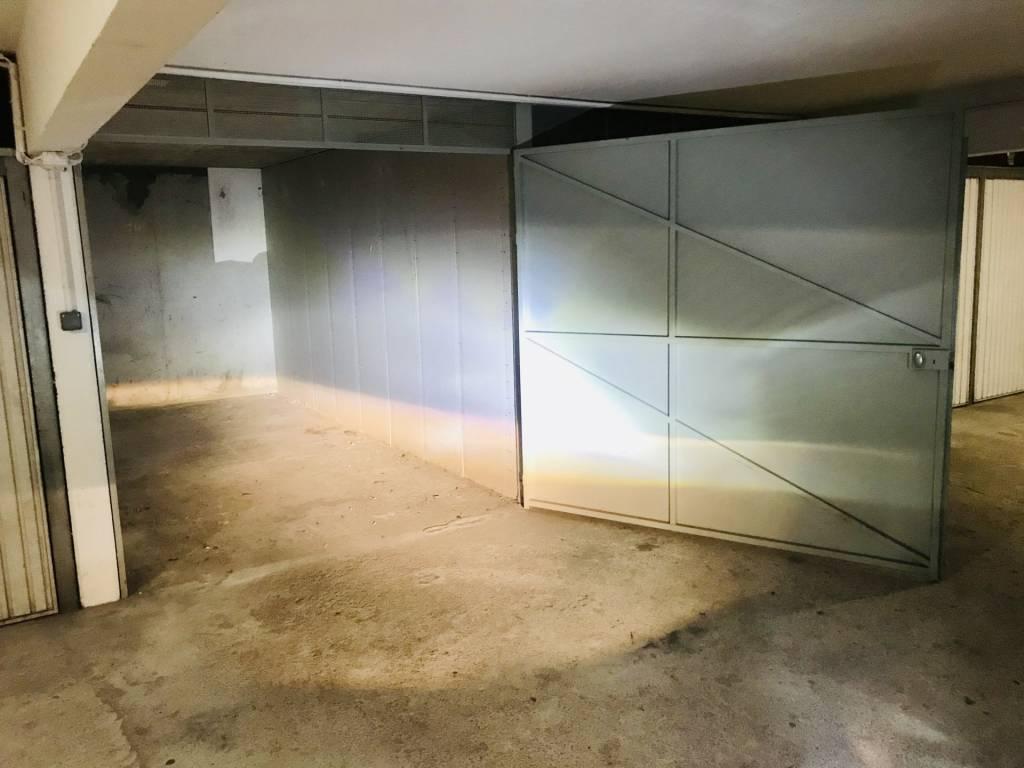 ROQUEBRUNE VILLAGE Garage Fermé