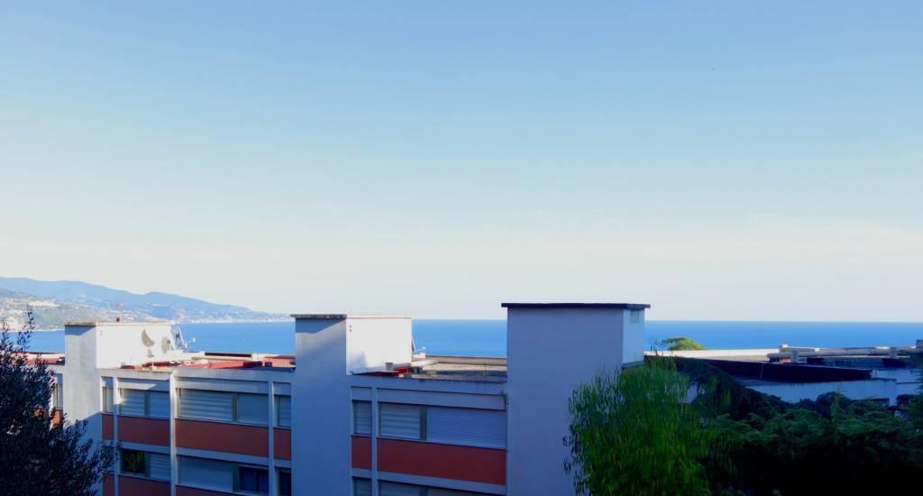 Roquebrune Cap Martin; 2P 54m², parking et cave.
