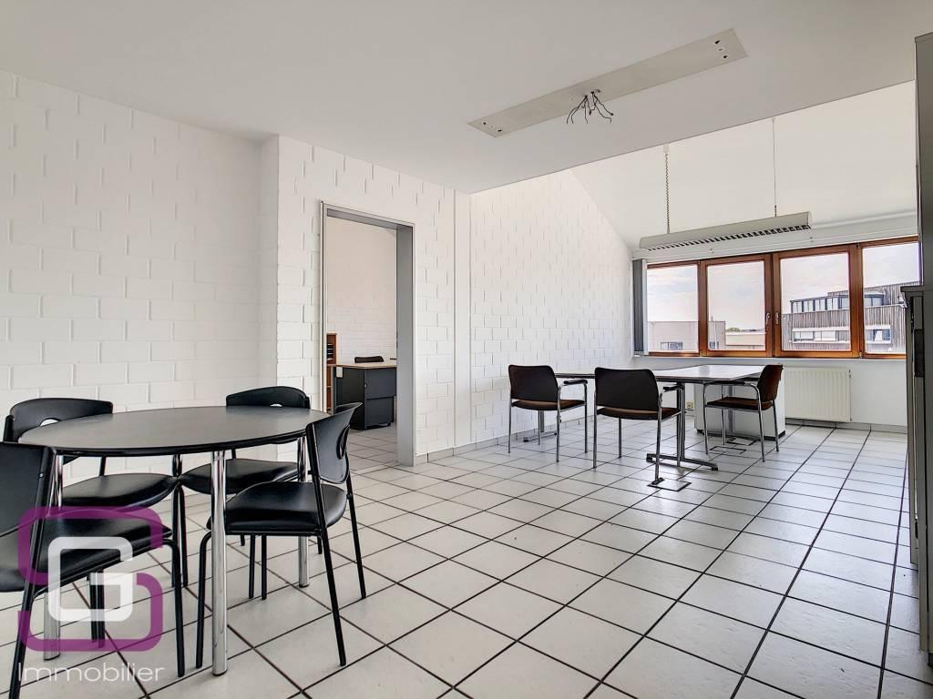 Bureaux à louer 56 m2 à Bourmicht
