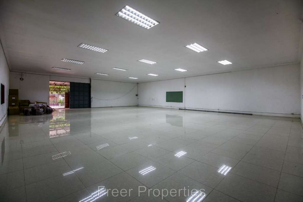 Warehouse for rent Russian Market area $1,800