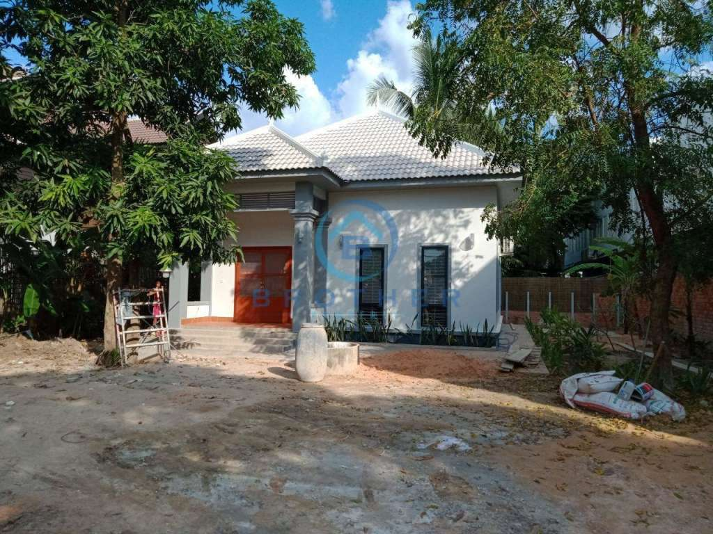 Siem reap Brand new Two bedrooms Villa for rent with garden