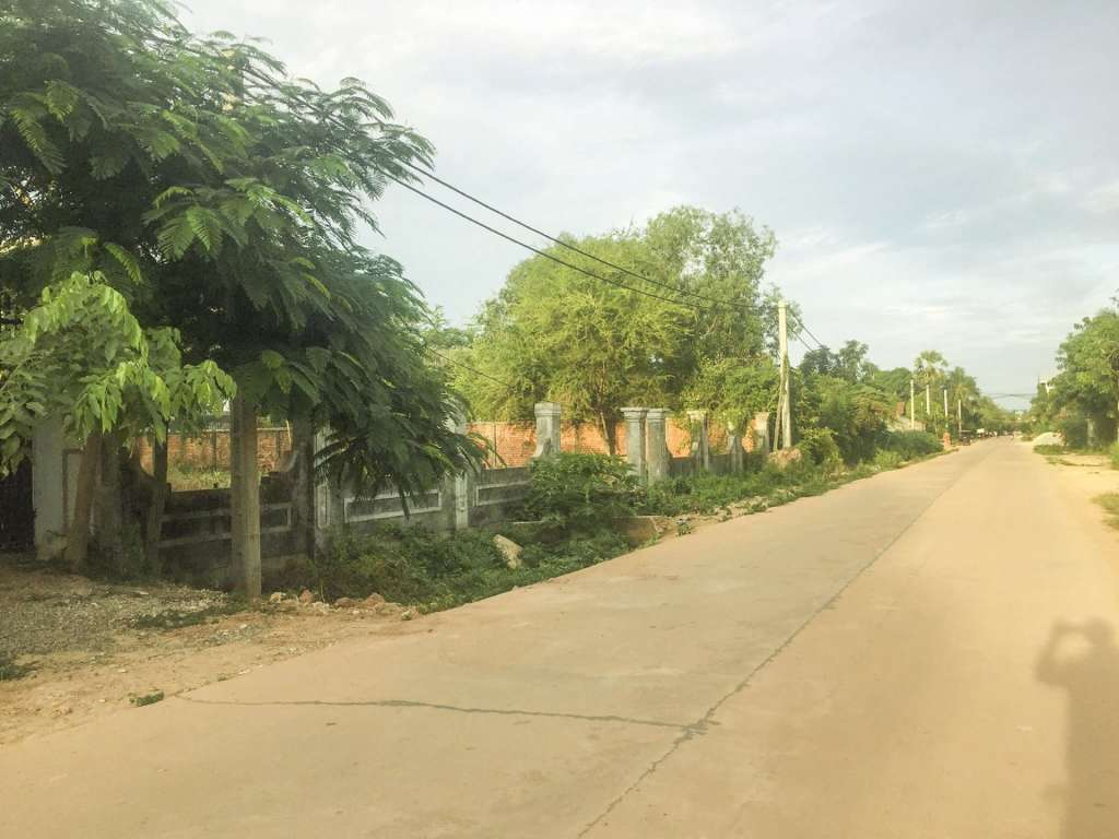 Land for sale at Phsa dermkralanh market in Siem Reap