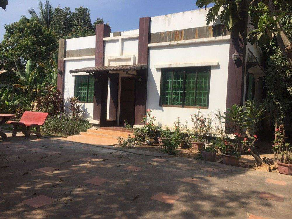 3 bedrooms house 2 A/C for rent ID code: HFR-299