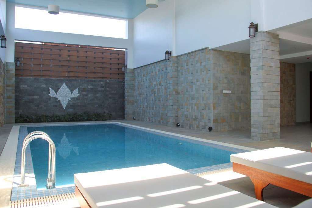 13 units apartment building with Swimming Pool for rent ID: CMFR-192 $6500 per month