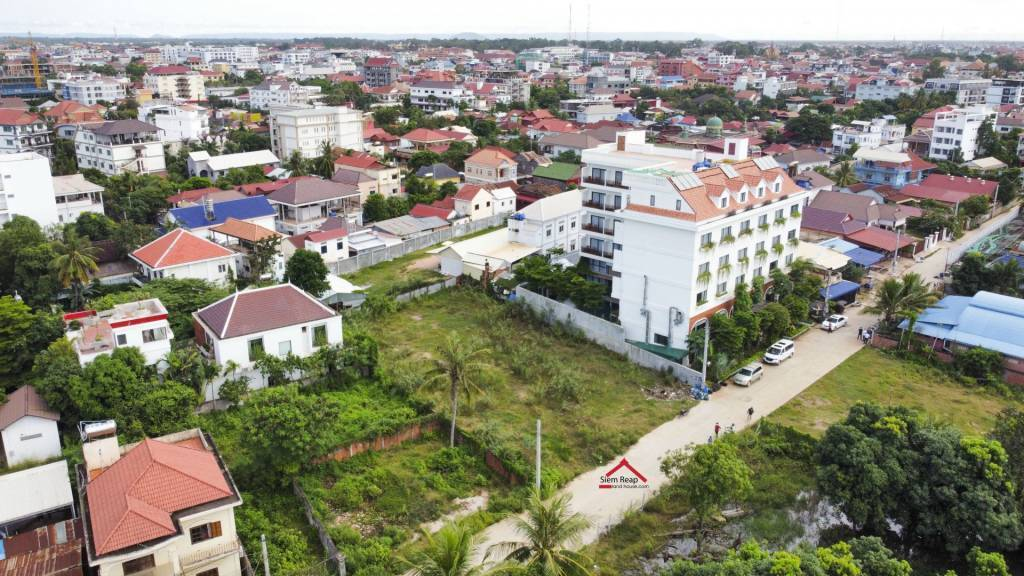 Land in luxury location 700m from Old Market