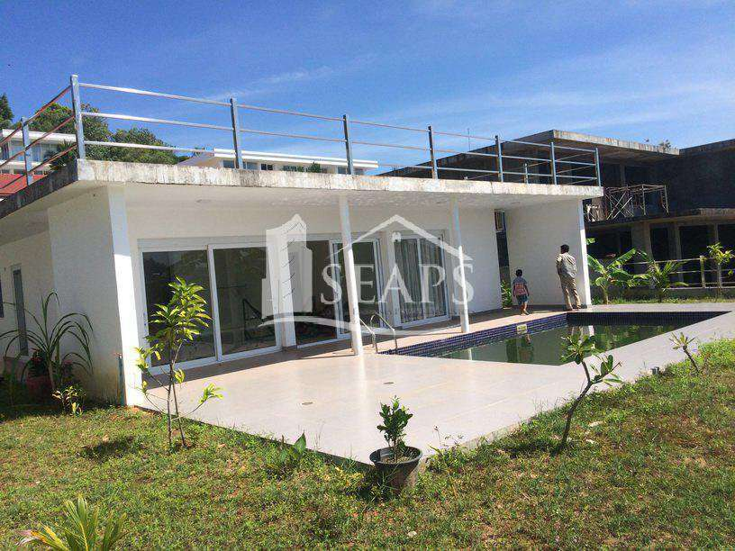 4 BEDROOM VILLA - FOR SALE - WITH POOL - SIHANOUKVILLE