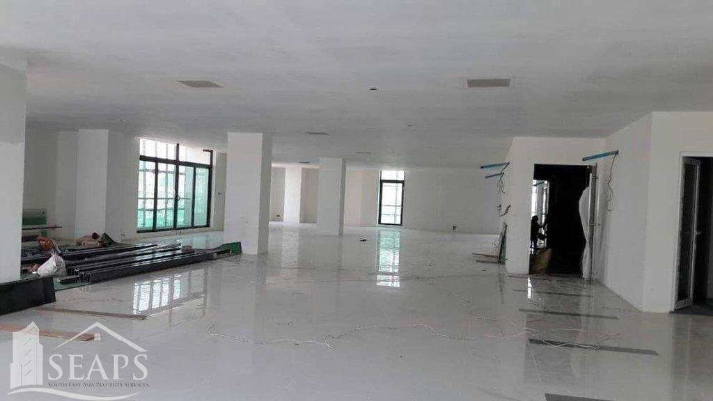 OFFICE SPACE FOR RENT IN CHAMKARMON