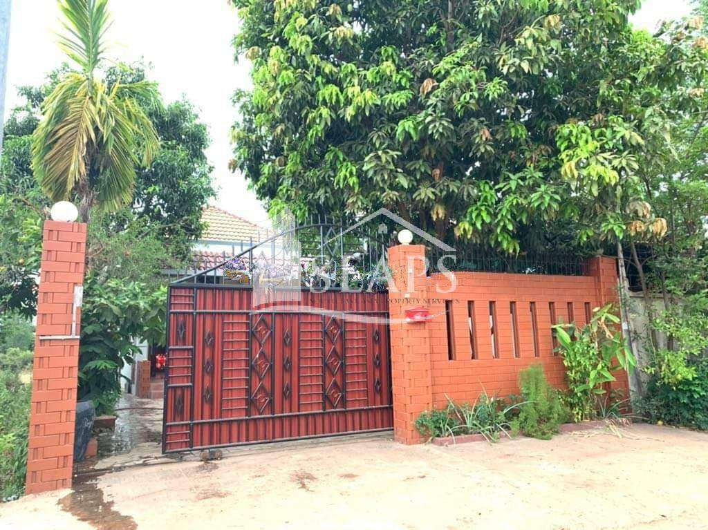 VILLA  FOR SALE - SALA KOMREUK AREA - SIEM REAP