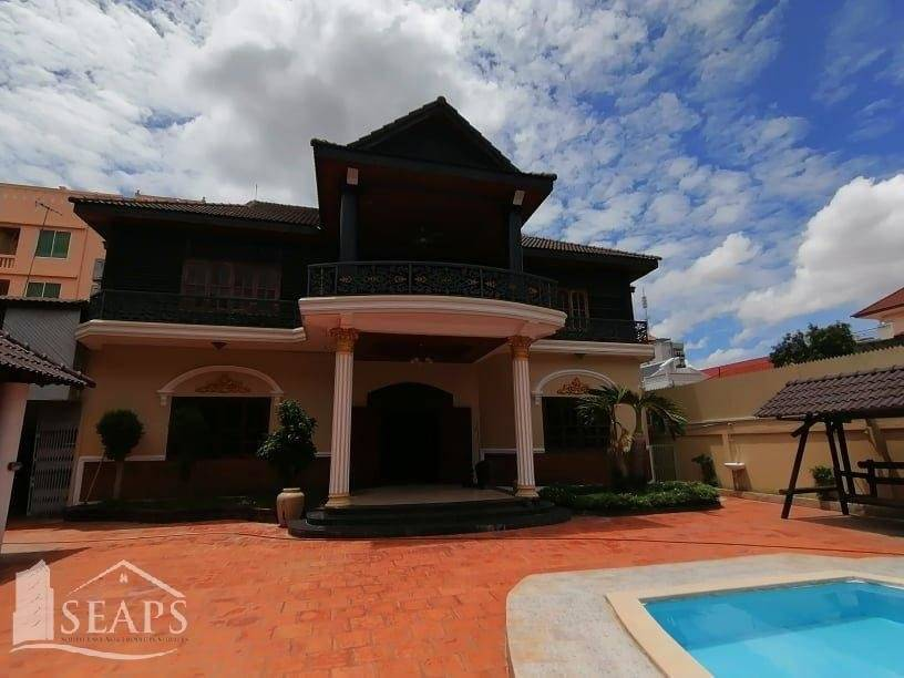 BEAUTIFUL LARGE VILLA FOR RENT WITH SWIMMING POOL IN TK