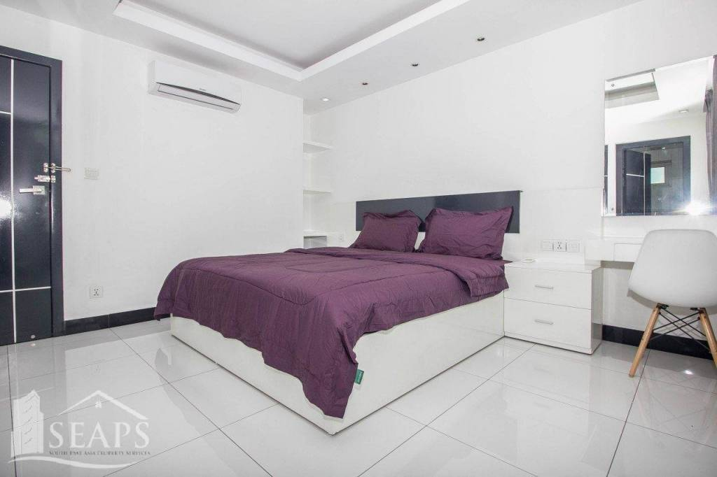 2BEDROOMS APARTMENT FOR RENT BKK3 GYM SWIMMING POOL