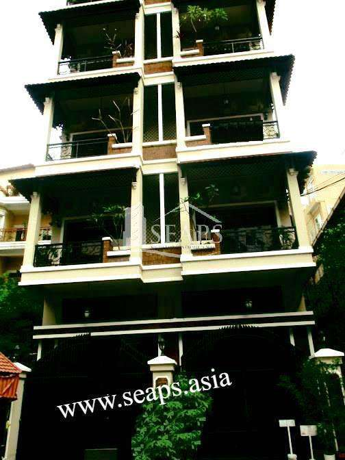 SERVICED APARTMENT AT TONLE BASSAC FOR RENT