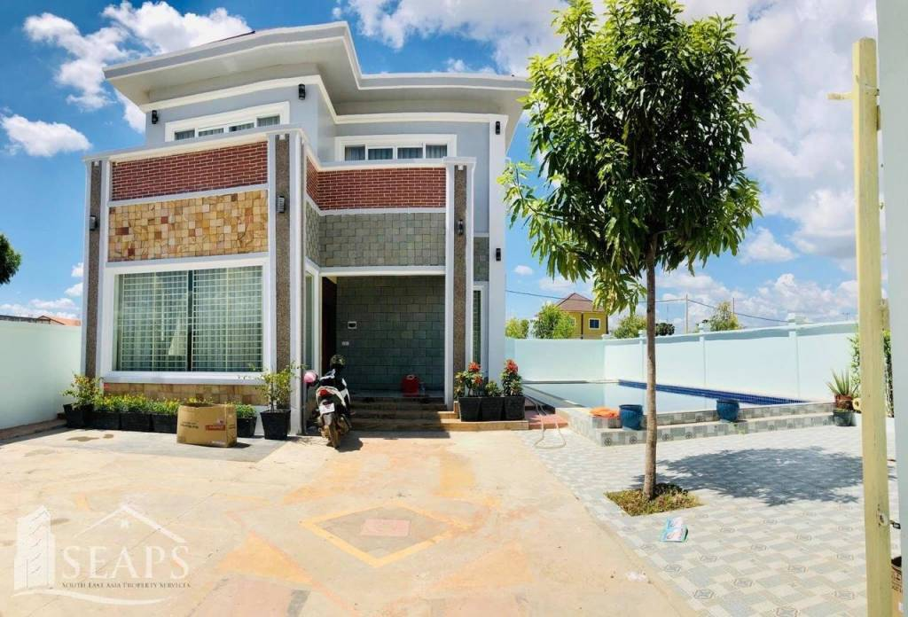 4 BEDROOMS VILLA HOUSE FOR RENT - SVAY DONGKUM AREA