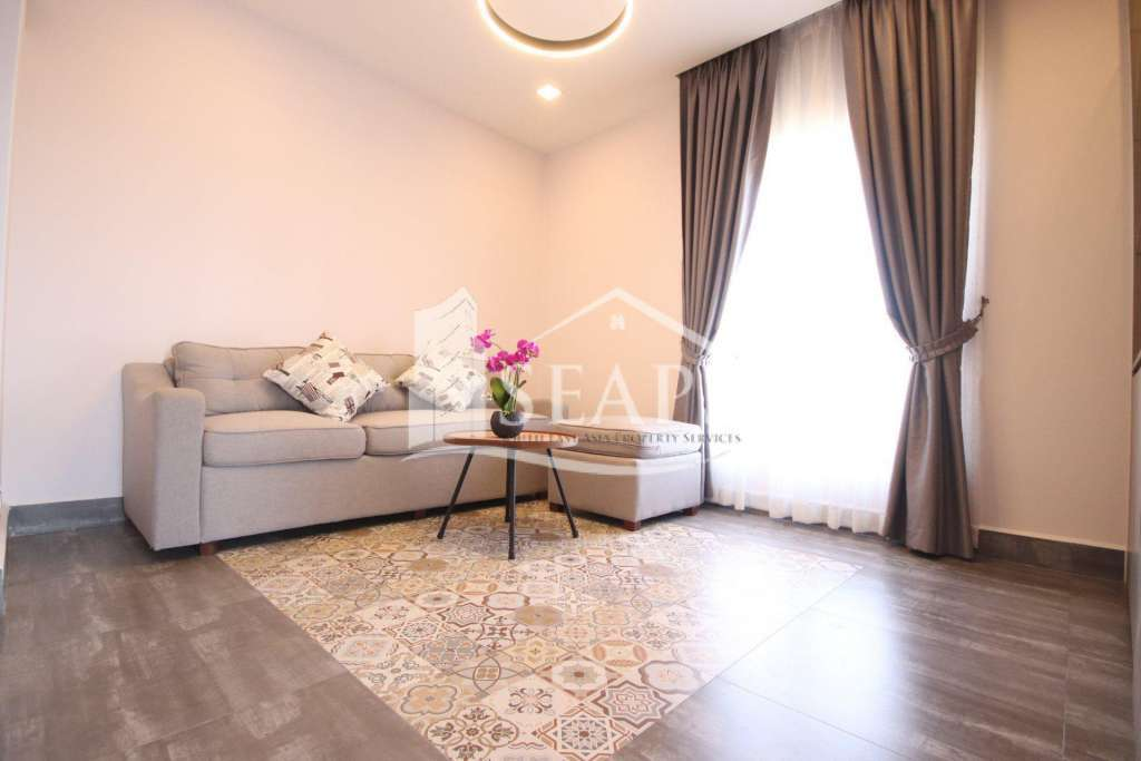 CHARMING 2 BEDROOMS APARTMENT