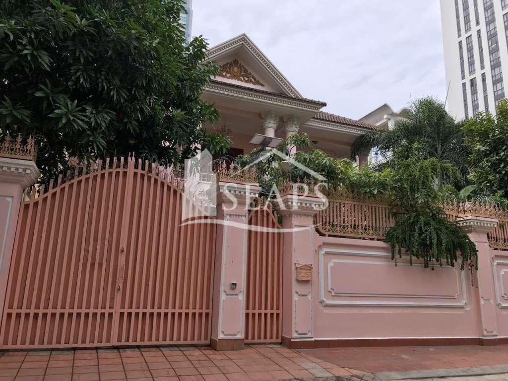 6 BEDROOMS VILLA FOR RENT IN BOEUNG KENG KANG 1