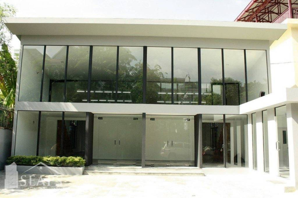 COMMERCIAL SPACE FOR RENT IN BKK AREA