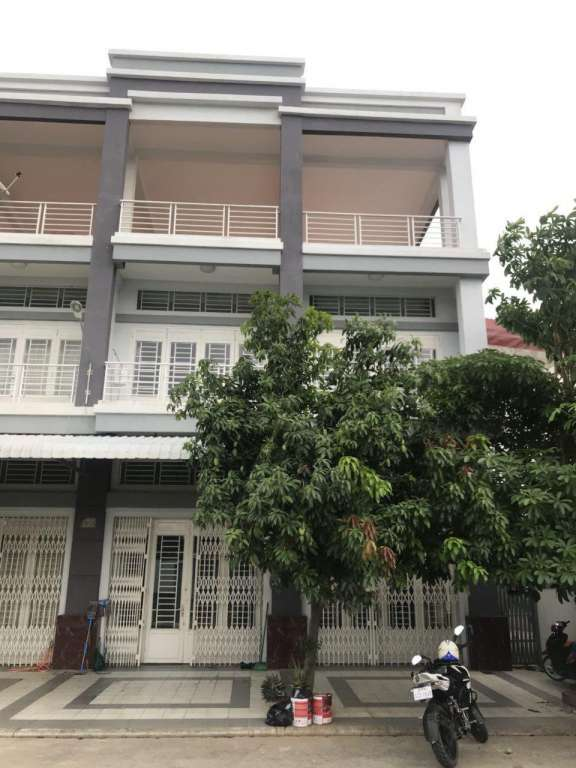 Flat House for Sales Close to Aeon 2 and Macro Sen Sok