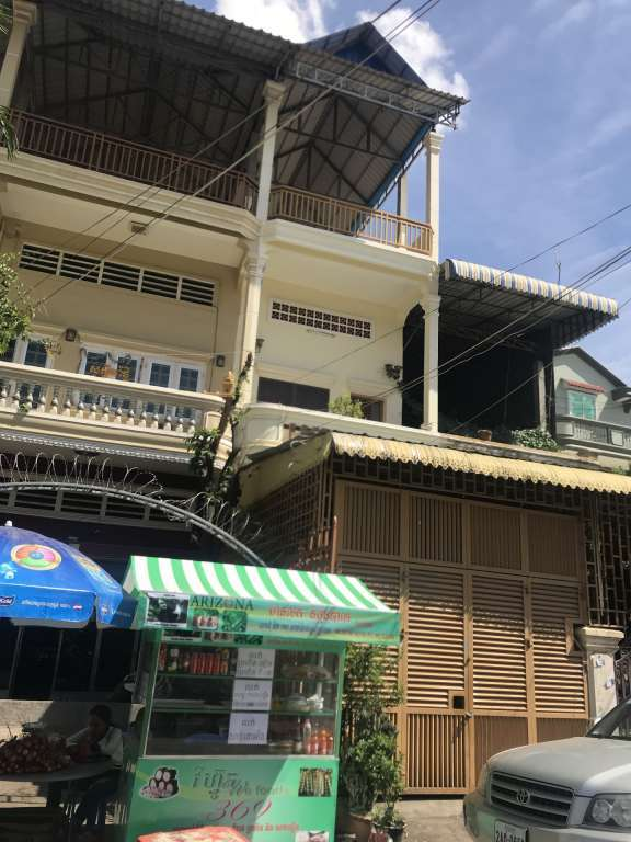 Flat for sale in Toul Kork