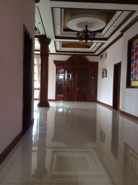 Villa For Rent Near One Part
